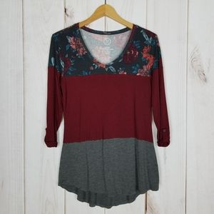Maurices | Wine Floral Print Gray Top Size Small